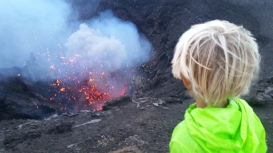 Tanna Valentin am Krater