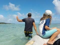 Vanuatu Dinghi in seichtem Waser