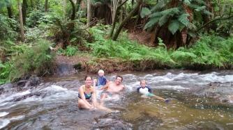 NZ Baden im warmen Fluss
