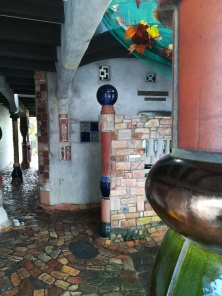 NZ Hundertwasser-Toilette in Kawakawa