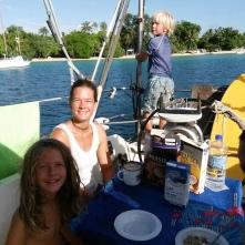 Frühstück auf dem Segelboot