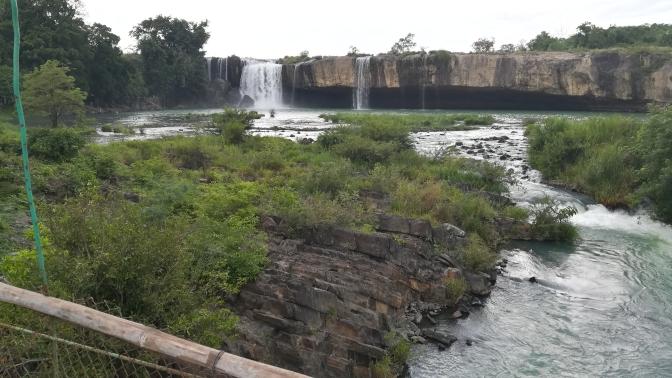 Haengebruecke beim Dray Sap-Wasserfall
