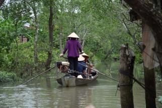 Mekong, Fahrt durch Kanaele