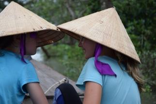 Mekong, Maedels mit Hueten