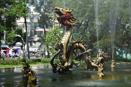 Cholon, Drachenbrunnen
