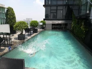 Pool auf dem Wolkenkratzer