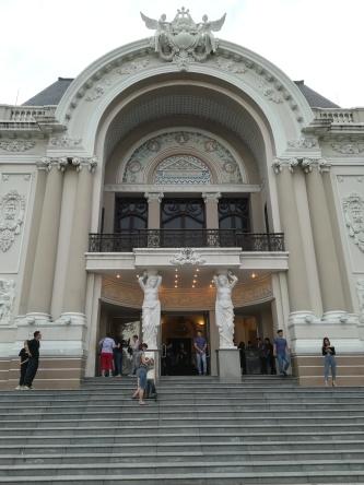 Saigon, Oper