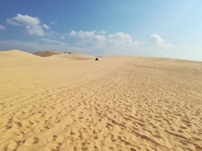 White Dunes in der gleißenden Sonne